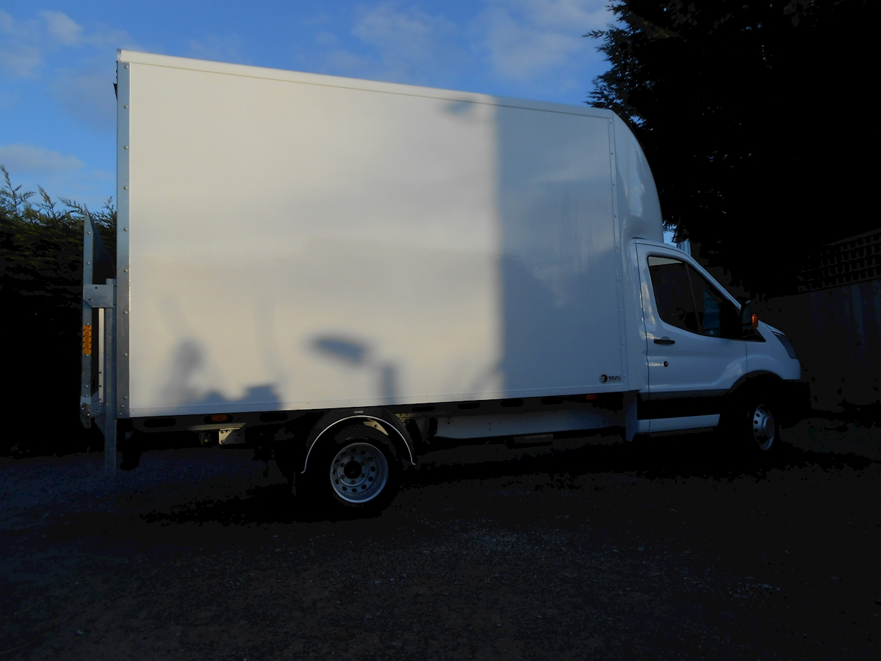 fc6801b12f Used Ford Transit 350 L4 EF Lwb Luton Tail lift 2.0 130ps Euro 6 Six speed  (2019)