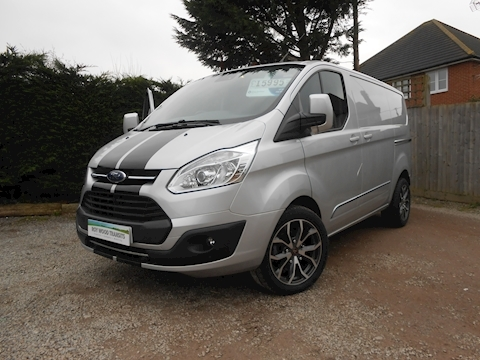 Ford Transit Custom 290 Limited L1 H1 Van 2.0 130ps Euro 6 2,400mm load length Great looking van with 18