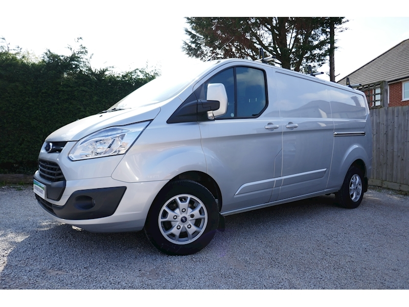 Transit Custom 290 Limited L2 H1 2.2 125ps Euro 5 - 2.8m load length - Six month warranty 2.2 5dr Panel Van Manual Diesel