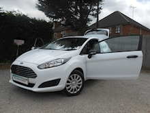 Ford Fiesta - Thumb 2