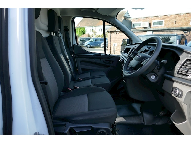 Ford Transit Custom image 18