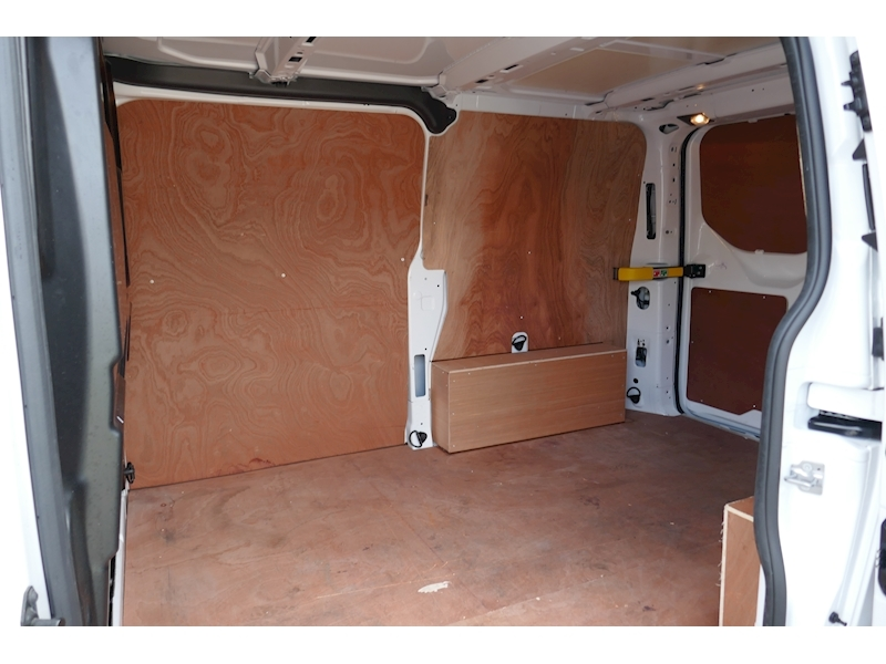 Ford Transit Custom image 27