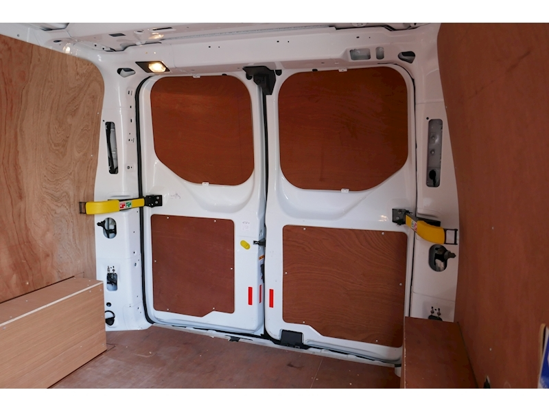 Ford Transit Custom image 28