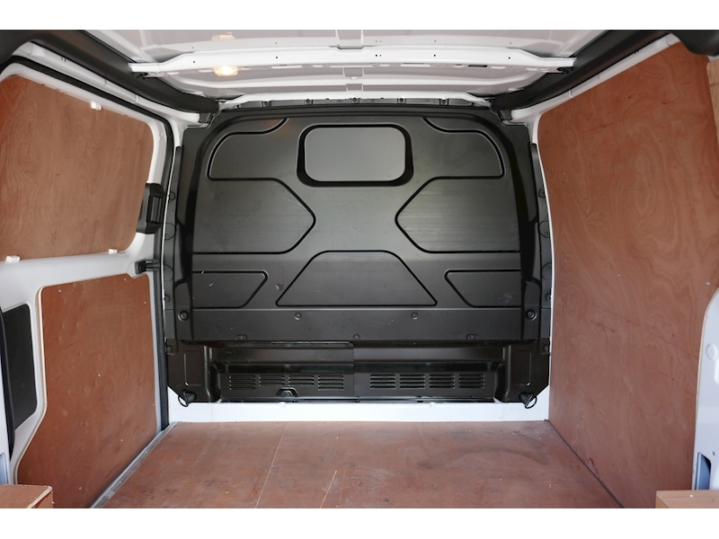 Ford Transit Custom image 31