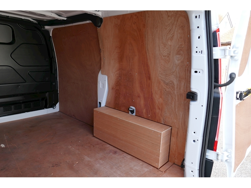 Ford Transit Custom image 34