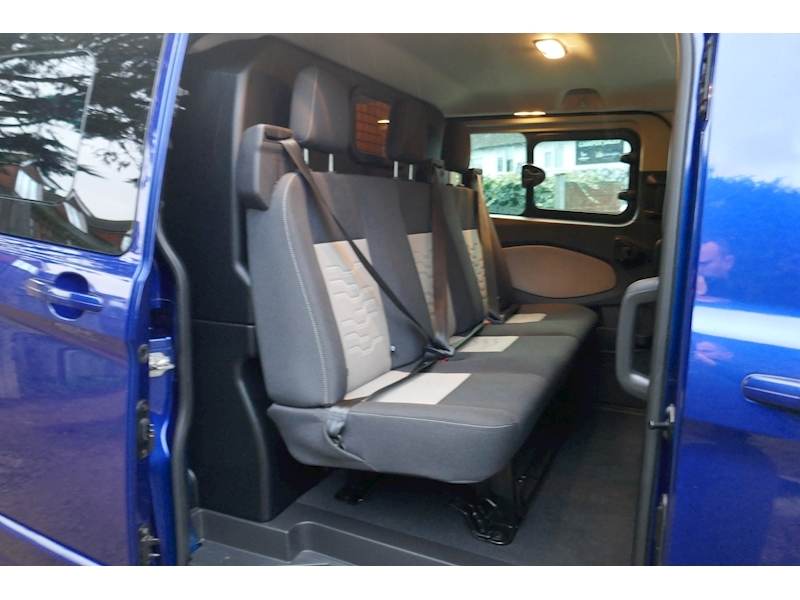 Ford Transit Custom image 30