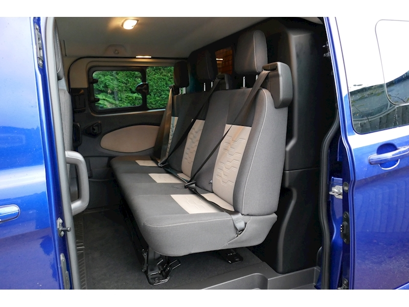 Ford Transit Custom image 32