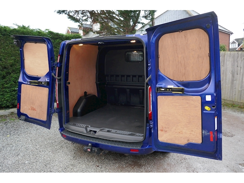 Ford Transit Custom image 36