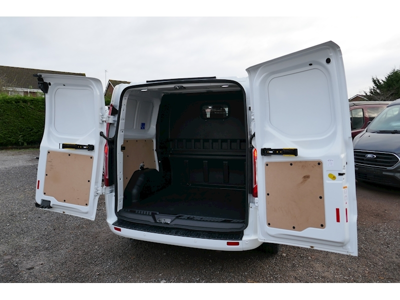 Ford Transit Custom image 40