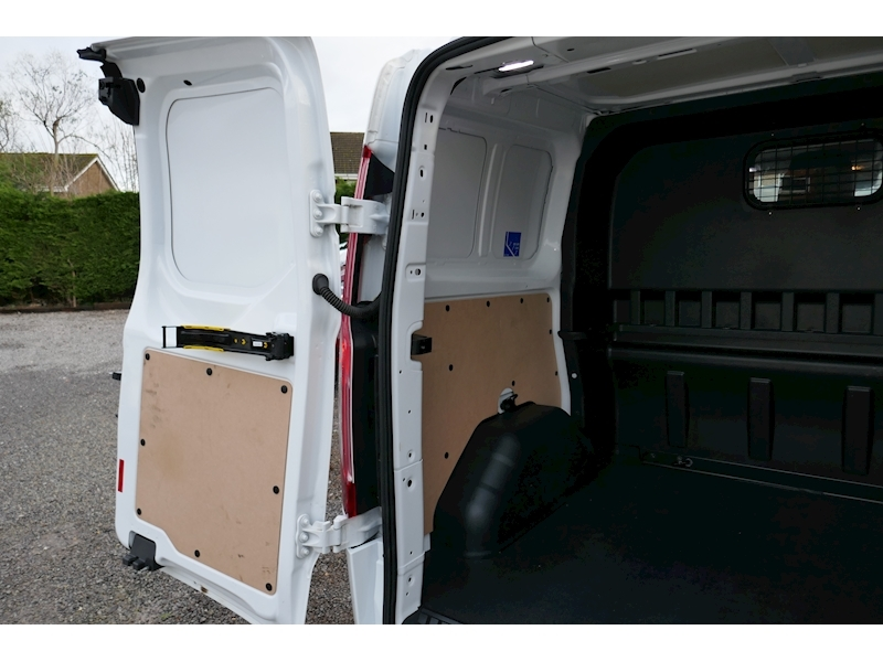 Ford Transit Custom image 41