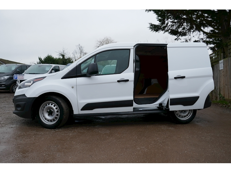 Ford Transit Connect image 9