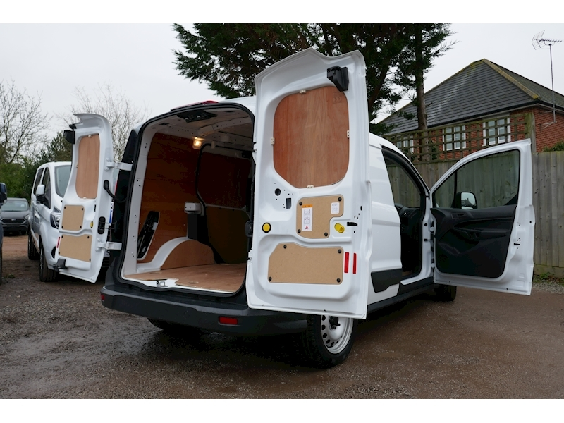 Ford Transit Connect image 2