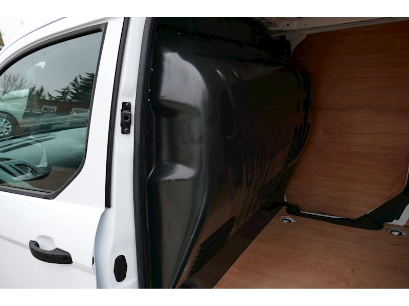 Ford Transit Connect image 11