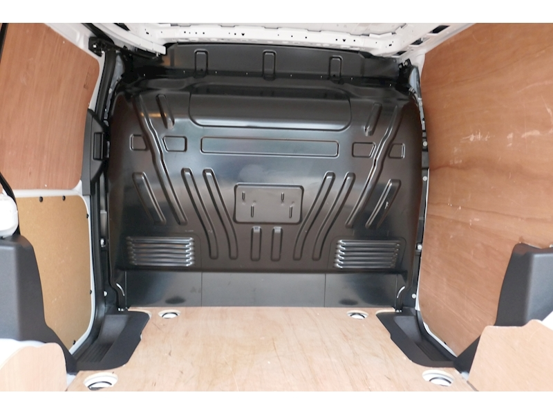 Ford Transit Connect image 14