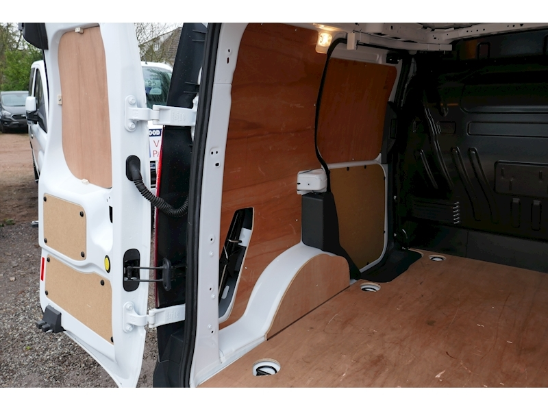 Ford Transit Connect image 15