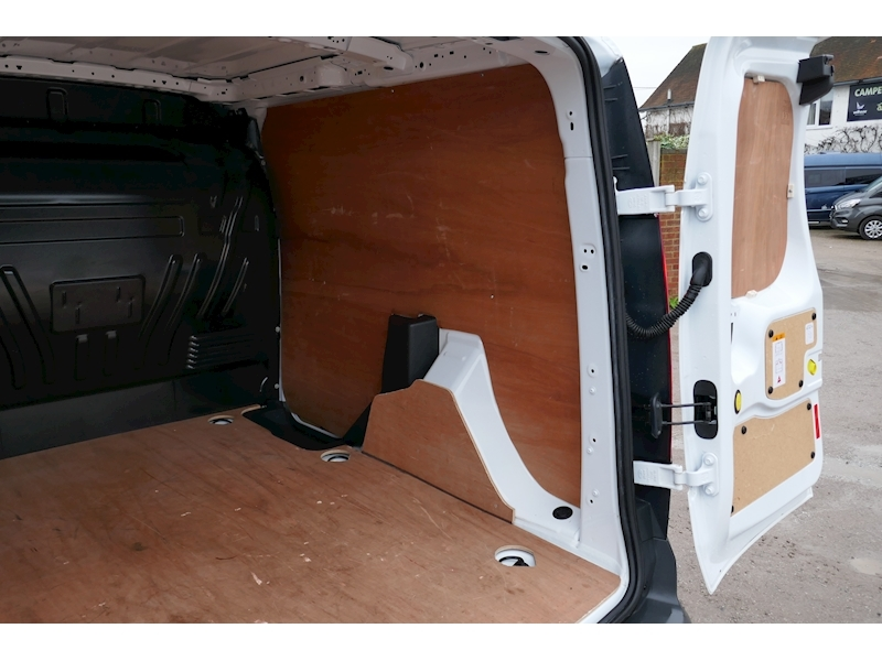 Ford Transit Connect image 16