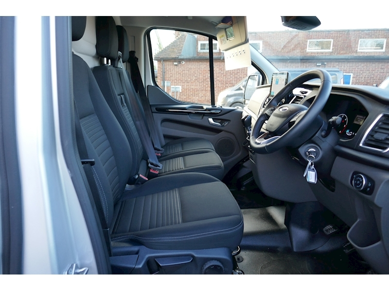Ford Transit Custom image 33