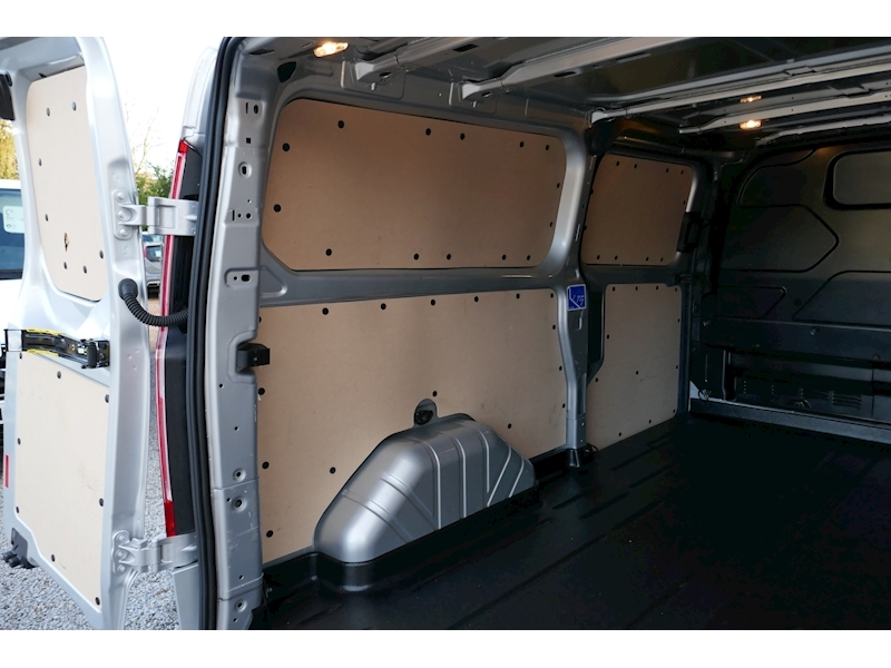 Ford Transit Custom image 44