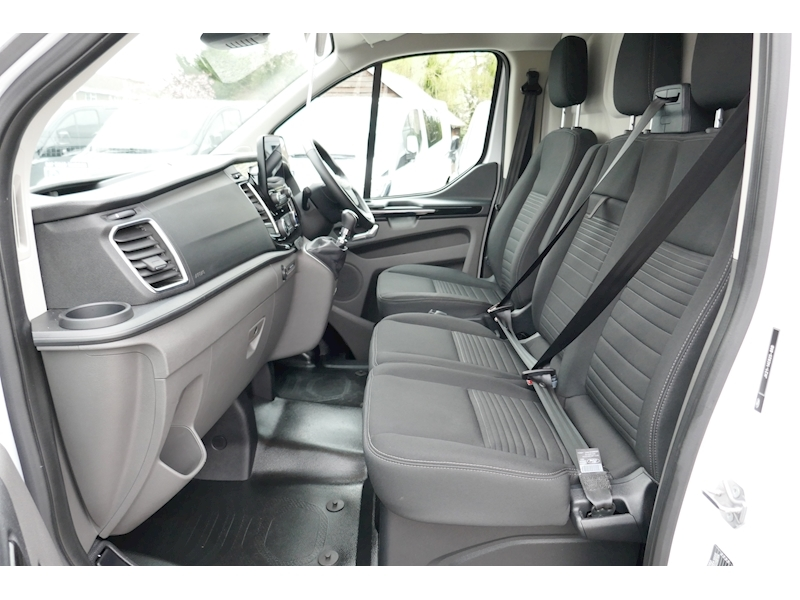 Ford Transit Custom image 46