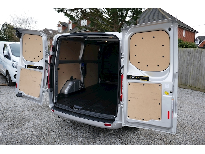 Ford Transit Custom image 22