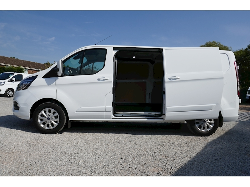 Ford Transit Custom image 4