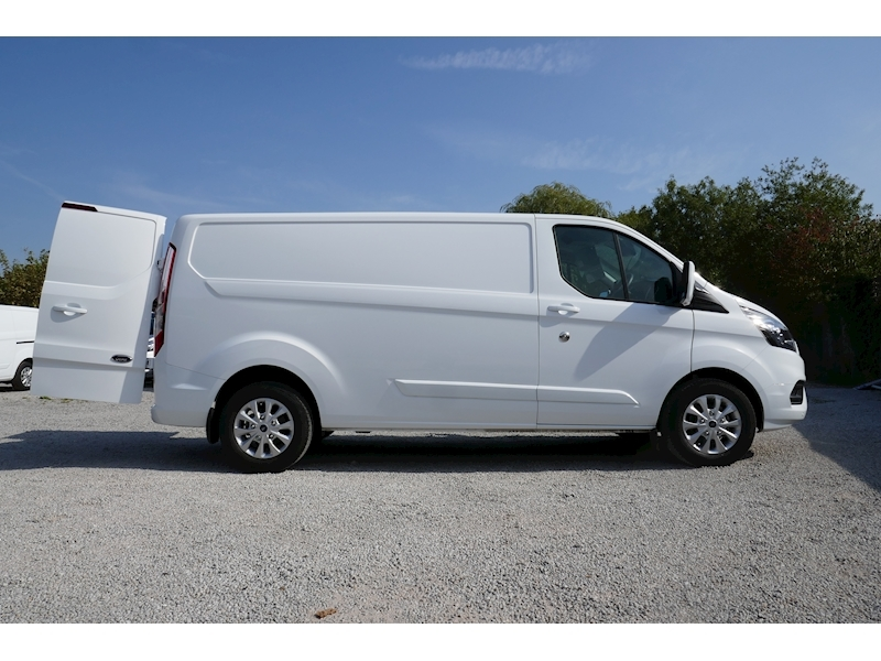 Ford Transit Custom image 1