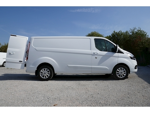 Transit Custom 300 L2 H1 Limited 2.0 130ps EURO 6 2.0 5dr Panel Van Manual Diesel