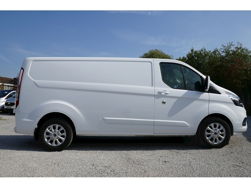 Ford Transit Custom image 12