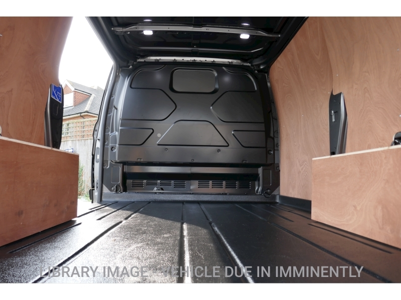 Ford Transit Custom image 19