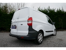 Ford Transit Courier - Thumb 2