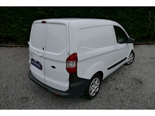 Ford Transit Courier - Thumb 23