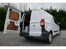 Ford Transit Courier - Thumb 25