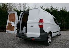 Ford Transit Courier - Thumb 26