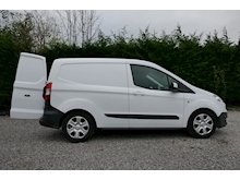 Ford Transit Courier - Thumb 22