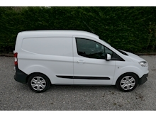 Ford Transit Courier - Thumb 21