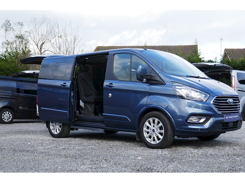 Ford Tourneo Custom WAV image 22
