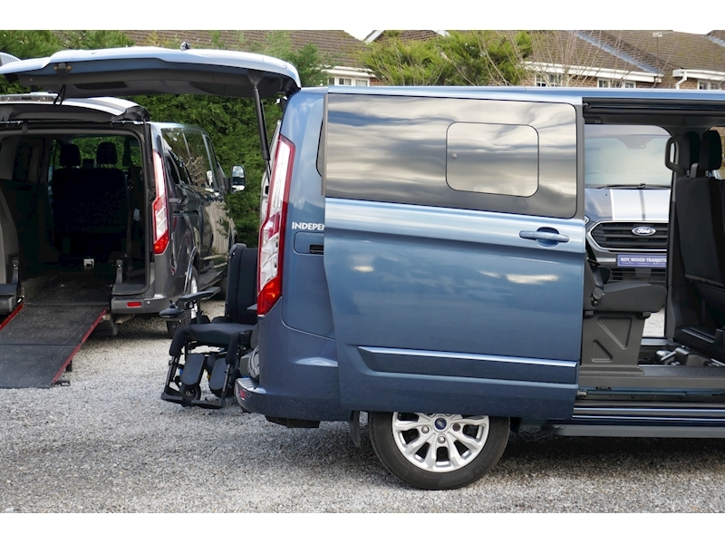 Ford Tourneo Custom WAV image 32