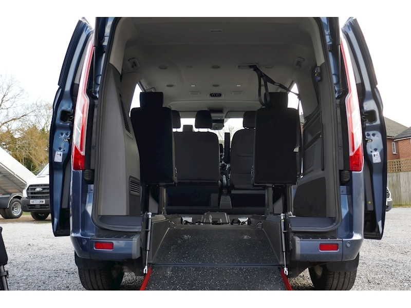 Ford Tourneo Custom WAV image 37