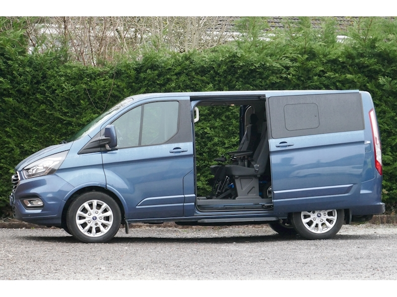 Ford Tourneo Custom WAV image 12