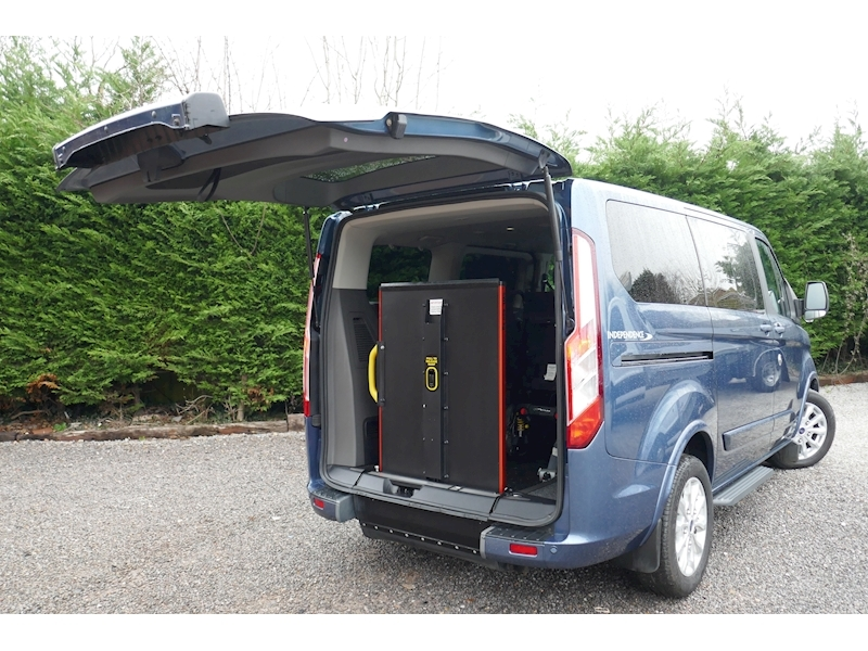 Ford Tourneo Custom WAV image 15