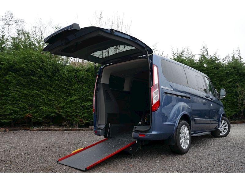 Ford Tourneo Custom WAV image 14