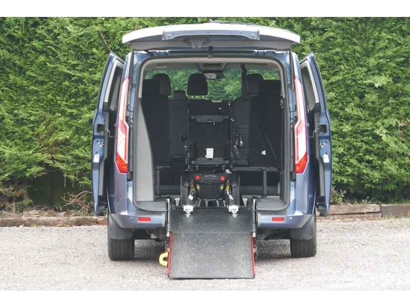 Ford Tourneo Custom WAV image 16