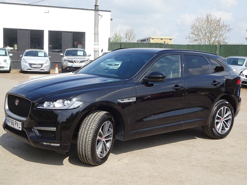 2016 Jaguar F-Pace - Large 1