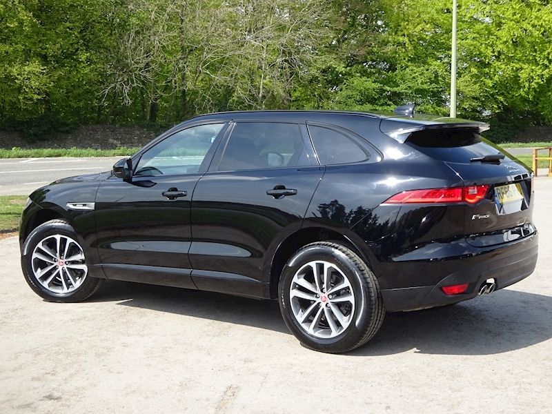 2016 Jaguar F-Pace - Large 2