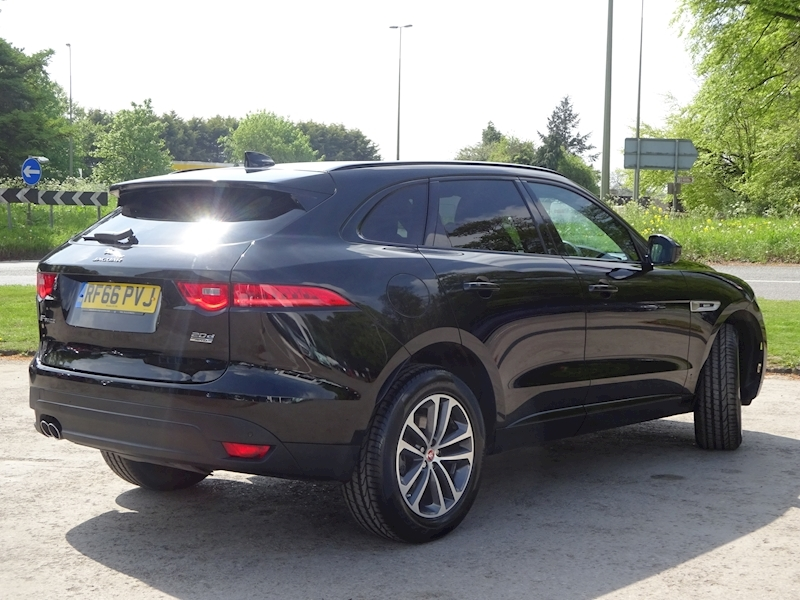 2016 Jaguar F-Pace - Large 3