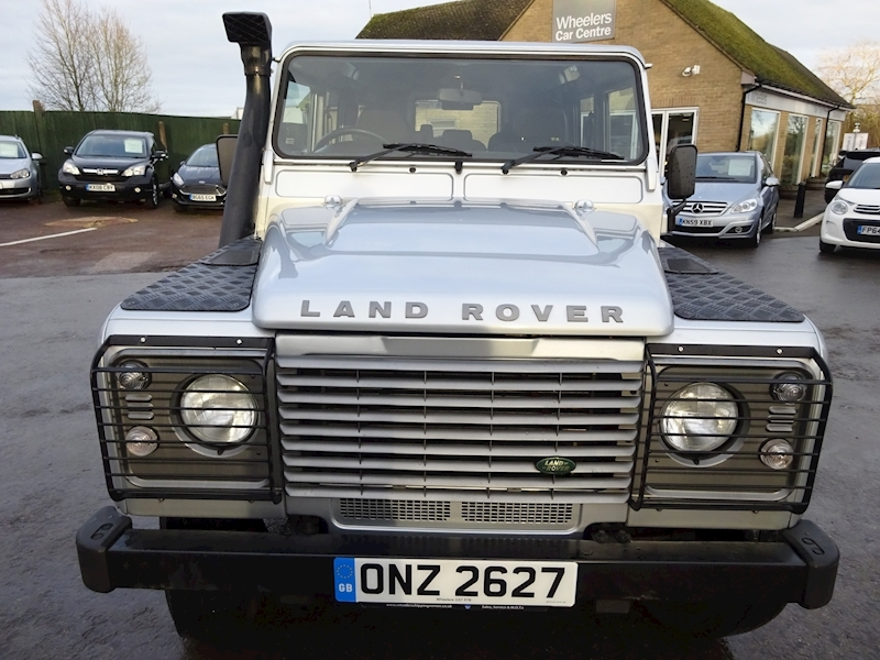 2010 Land Rover Defender - Large 7