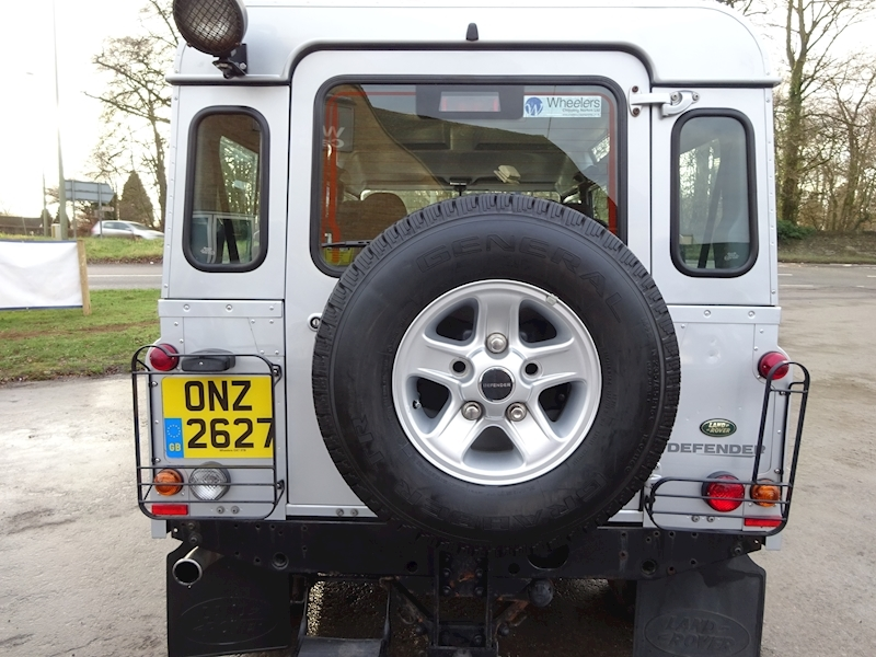 2010 Land Rover Defender - Large 9