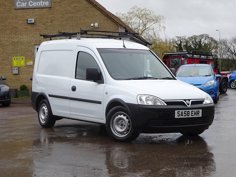 bf2a093a0a 2008 Vauxhall Combo - Large 0