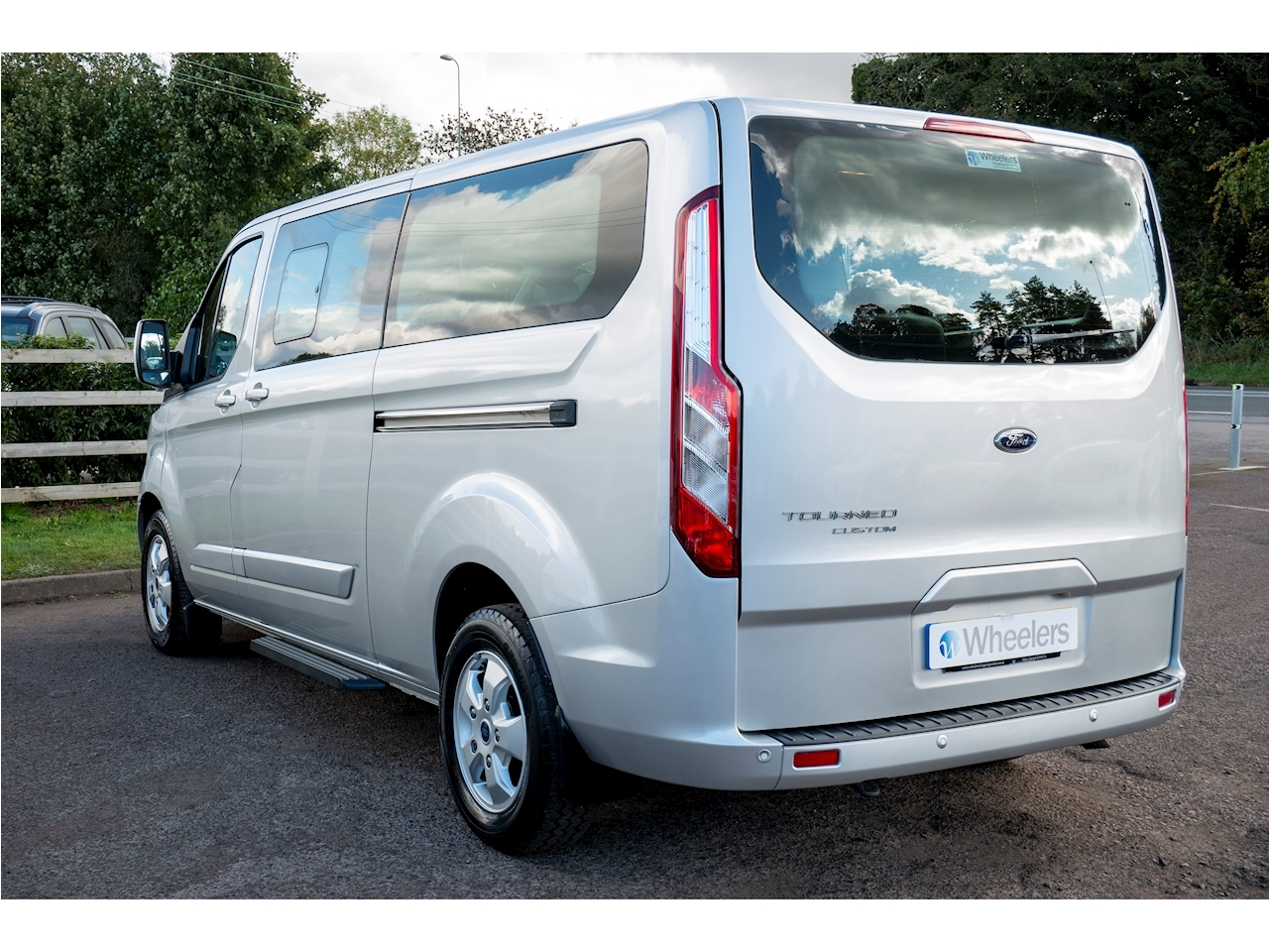 Ford Tourneo Custom 310 Titanium Tdci Mpv 2.0 Manual Diesel