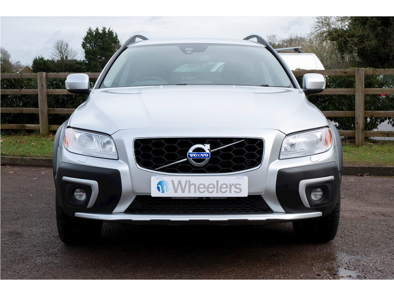 Volvo Xc70 D5 Se Lux Awd Estate 2.4 Automatic Diesel